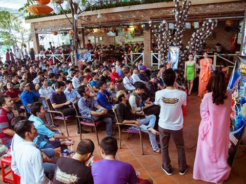 Tình yêu bóng đá của CĐV Việt Nam không kém cạnh quốc gia nào