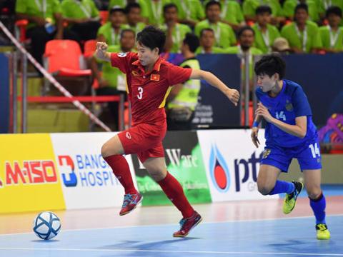 Các cô gái Việt Nam đã bỏ qua cơ hội đánh bại Thái Lan đầy đáng tiếc trên sân đối thủ. Ảnh: AFC