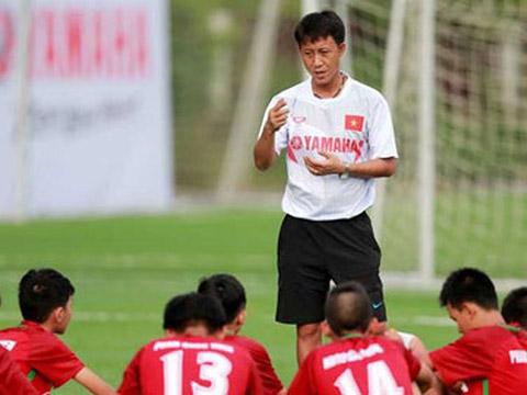 Trợ lý số 1 HLV Nguyễn Thành Công với nhiều hiểu biết về Sài Gòn sẽ lên dẫn dắt CLB từ vòng 17. Ảnh: Báo Nghệ An