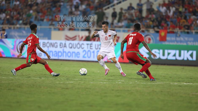 'Hùng Dũng đá tốt nhưng khó trụ lại U23 Việt Nam'