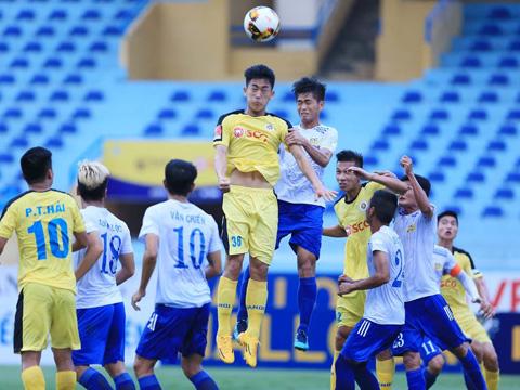 Hà Nội B (vàng) của HLV Phạm Minh Đức đang rất thăng hoa ở mùa giải năm nay. Ảnh: VPF