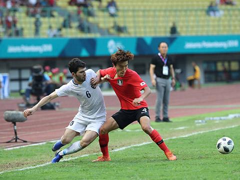 Hàng thủ của U23 Hàn Quốc chưa gắn kết là điểm yếu có thể để U23 Việt Nam khai thác. Ảnh: Hoàng Linh