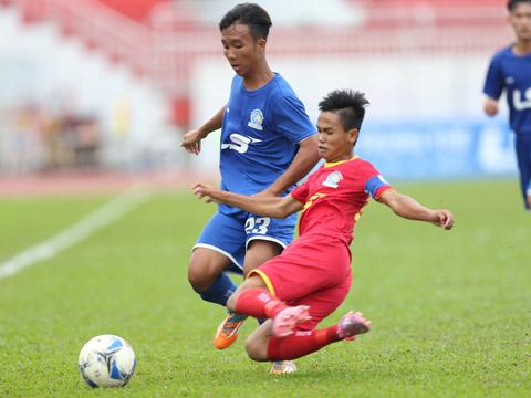 Sài Gòn (đỏ) phải dừng cuộc chơi sau trận hòa không bàn thắng với B.Bình Dương trên sân Thống Nhất. Ảnh: Anh Duy