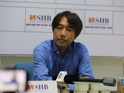 HLV Miura đã giúp TP.HCM tạm qua cơn nguy khó. Ảnh: VPF