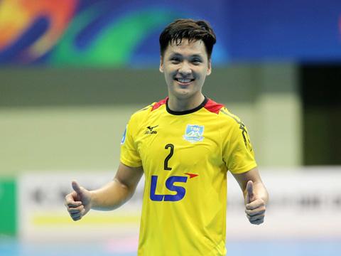 Một phát hiện mới của futsal Việt Nam - thủ môn Hồ Văn Ý. Ảnh: Anh Lập