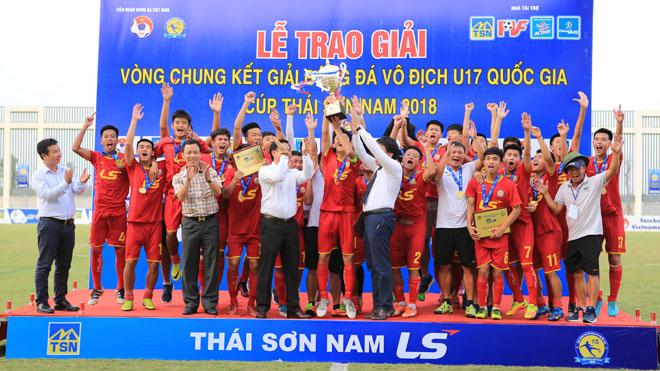 Viettel lần đầu nâng Cúp vô địch giải U17 quốc gia