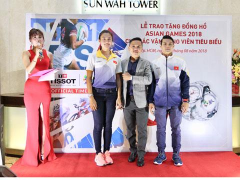 2 niềm hy vọng vàng của thể thao Việt Nam nhận được sự động viên tinh thần lớn trước giờ lên đường từ Tissot. Ảnh: QN