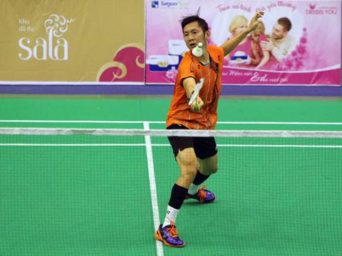 Tiến Minh khá dễ dàng đánh bại đối thủ Indonesia tối 7/8. Ảnh: Quang Liêm