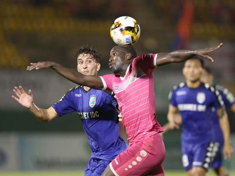 Chân sút số 1 Sài Gòn Da Sylva tiếp tục tỏa sáng mang trọn 3 điểm về cho đội nhà. Ảnh: VPF