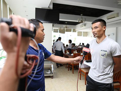 Đội trưởng Trương Đình Luật cho biết CLB sẽ tuân thủ nghiêm ngặt khâu ăn uống để có phong độ đua trụ hạng. Ảnh: DH
