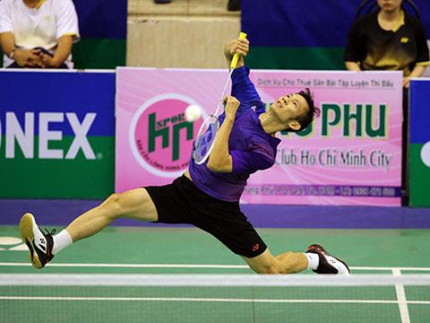 Tiến Minh cũng có vé vào tứ kết sau khi vượt qua tay vợt trẻ của Thái Lan. Ảnh: Quang Liêm