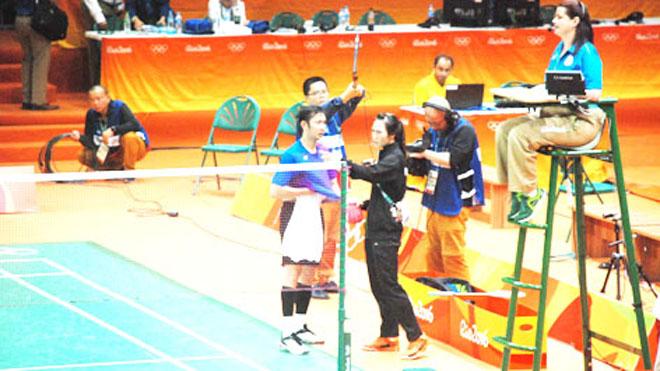 Vợ chồng Tiến Minh – Vũ Thị Trang 'làm nóng' Vietnam Open 2018