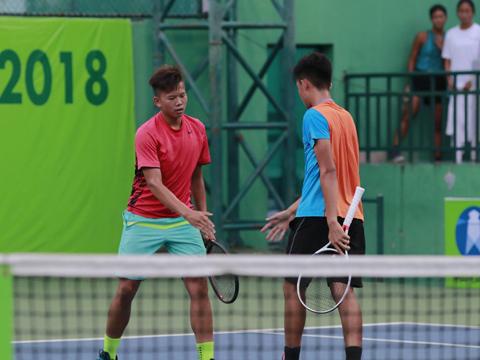 Văn Phương cùng Minh Thịnh đã thất bại ở chung kết đôi nam ngày 27-7. Ảnh: BM