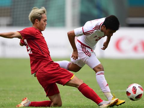 Những đối thủ Tây Á như UAE không hề đơn giản khi họ đã biết bắt bài lối chơi phòng ngự phản công của thầy trò HLV Park Hang Seo. Ảnh: AFC