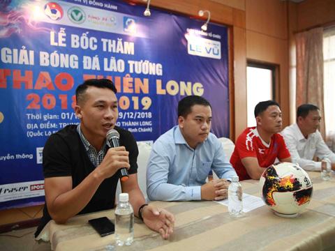 Ông Nguyễn Trung Kiên đại diện nhà tài trợ áo đấu Fraser Sport phát biểu. Ảnh: Thiên Long