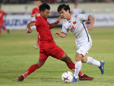 Công Phượng là cầu thủ ghi bàn đầu tiên cho Việt Nam ở AFF Cup 2018. Ảnh: Song Ngọc