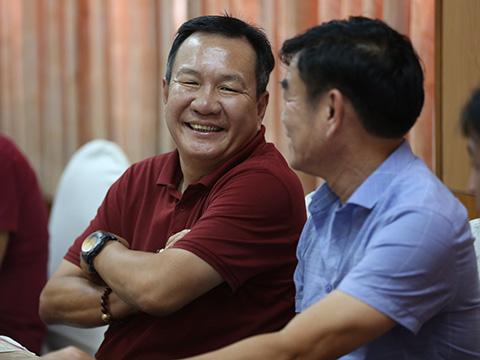 Hai cựu HLV ĐTQG Hoàng Văn Phúc và Phan Thanh Hùng sẽ dự giải năm nay. Ảnh: Đức Đồng