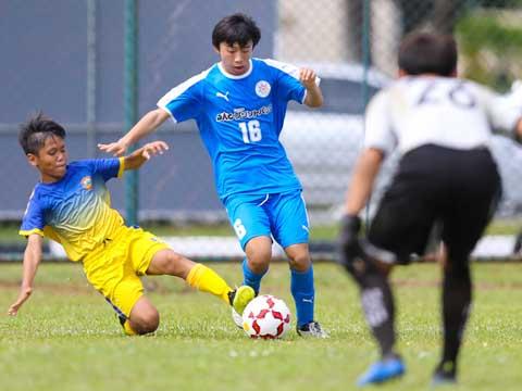 U13 Kawasaki Frontale đã đánh bại chủ nhà 3-1 ngày khai mạc giải. Ảnh: DP