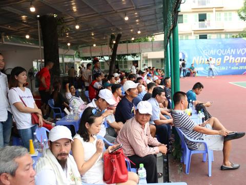 Sự có mặt của các tay vợt hàng đầu thu hút đông đảo người hâm mộ theo dõi. Ảnh: TT