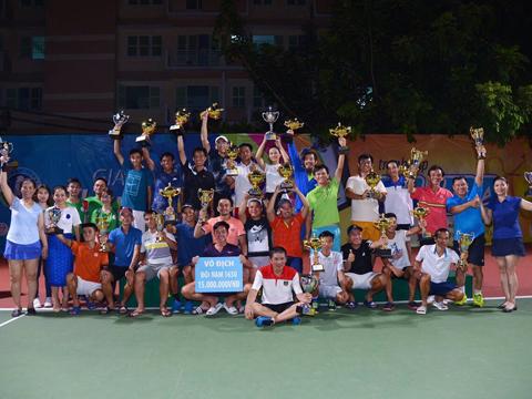 Các tay vợt đoạt thành tích cao ở giải Nupa Sport lần 2 năm nay. Ảnh: TT