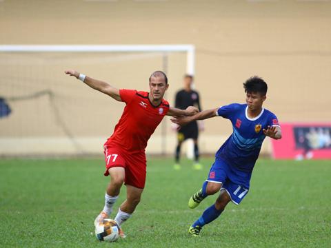 Kesley cùng đồng đội không thể vượt qua Quảng Nam chiều 19-1. Ảnh: Đình Viên