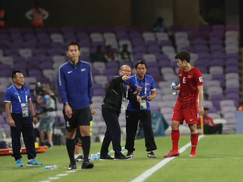 HLV Park Hang Seo được chờ đợi sẽ có bất ngờ giành cho ứng viên vô địch Nhật Bản tối 24/1. Ảnh: Hoàng Linh