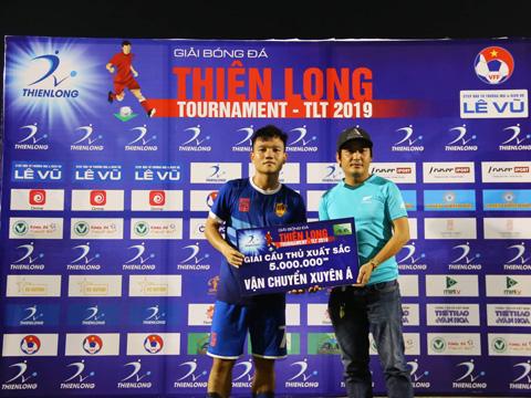 Dù chơi hay nhưng Thanh Trung cũng chỉ giúp Quảng Nam về nhì. Ảnh: Đình Viên