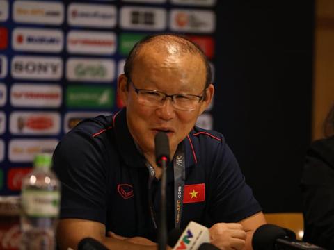 HLV Park Hang Seo còn nhiều việc phải làm với U23 Việt Nam. Ảnh: Hoàng Linh