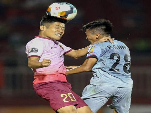 Sài Gòn (trái) chơi tốt hơn trong trận derby thành phố nhưng vẫn không thắng. Ảnh: VPF