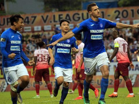 Than Quảng Ninh vào top 3 với 3 điểm tối 24/5. Ảnh: VPF