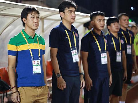 HLV Nguyễn Thành Công còn phải cải thiện sự thiếu tập trung cuối trận của các học trò. Ảnh: VPF