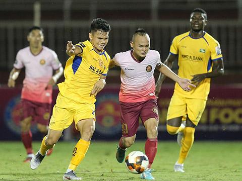 Quốc Phương đưa đội nhà dẫn trước 2-1 nhưng không thể bảo vệ thành quả trọn vẹn đó. Ảnh: VPF
