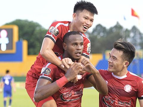 TP.HCM có chức vô địch lượt đi với 27 điểm, hơn Hà Nội 2 điểm. Ảnh: VPF