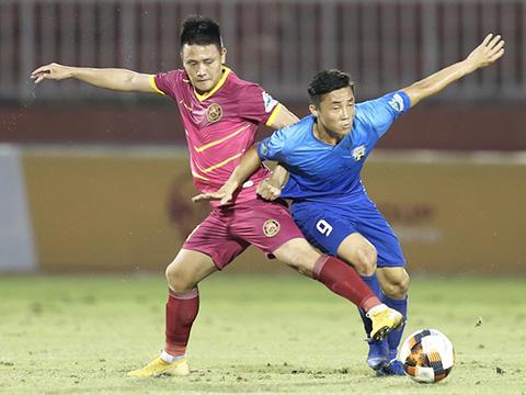 Tiền đạo Đình Bảo ghi 2 bàn chỉ sau trận ra mắt cho Sài Gòn tối 29/6. Ảnh: VPF