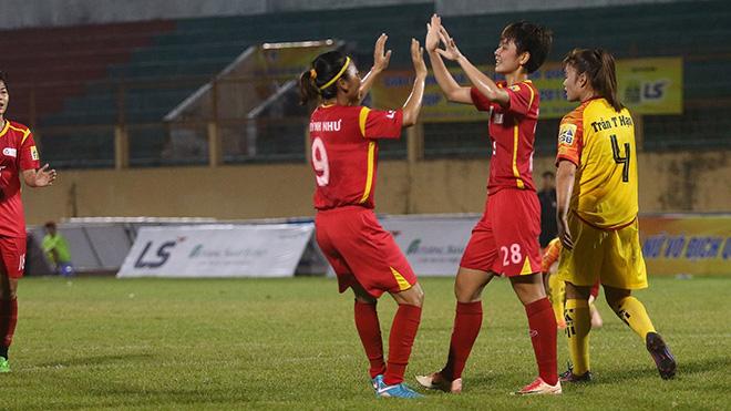 Bóng đá nữ TP.HCM tiến gần chức vô địch lượt đi