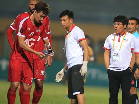 Triết lý của HLV Lee Heung Sil không thể giúp Viettel chơi như ý. Ảnh: VPF