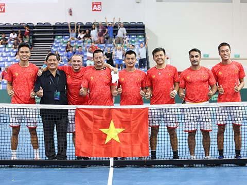 Đội tuyển Davis Cup Việt Nam được nhận thưởn 25.000 USD với chức vô địch trên đất Singapore. Ảnh: TT