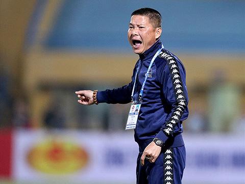 HLV Chu Đình Nghiêm kỳ vọng vào kết quả không thua B.Bình Dương ở lượt đi để tiện tính toán trận lượt về ngày 7/8. Ảnh: VPF