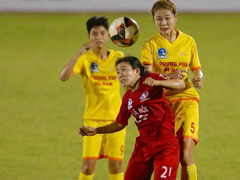 Phong Phú Hà Nam và Hà Nội bám sát TP.HCM với 13 điểm sau 6 vòng đấu. Ảnh: TSB