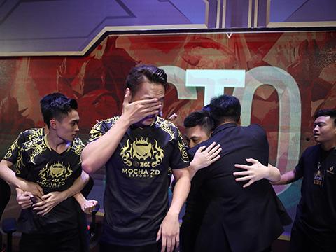 Niềm vui tột cùng của đội chiến thắng. Ảnh: BTC