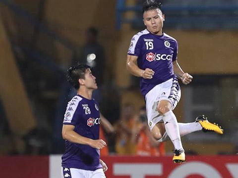 Tiền vệ CLB Hà Nội vừa có cú đúp bàn thắng vào lưới đại diện Turkmenistan ở bán kết liên lục địa AFC Cup tối 20/8. Ảnh: Hoàng Linh
