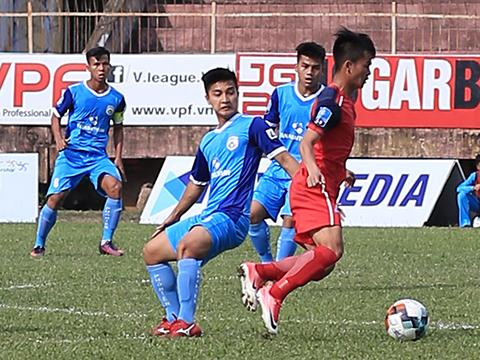 Martin Lò cùng các đồng đội ở Phố Hiến đã tiến sát chiếc vé dự trận play-off dự V-League 2020. Ảnh: VPF