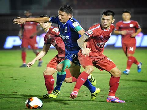 Hữu Tuấn đã ra sân 21/21 trận cho TP.HCM ở V-League mùa này với một hiệu suất đáng nể. Ảnh: VPF
