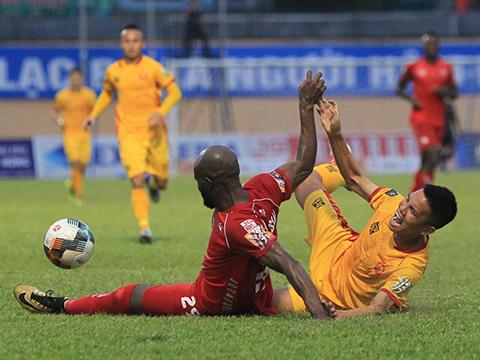 Thanh Hoá (vàng) đã thua 6/7 trận gần nhất. Ảnh: VPF