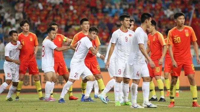 U22 Trung Quốc có thể hình tốt nhưng thua toàn diện U22 Việt Nam tối 8/9. Ảnh: Oriental Sports Daily