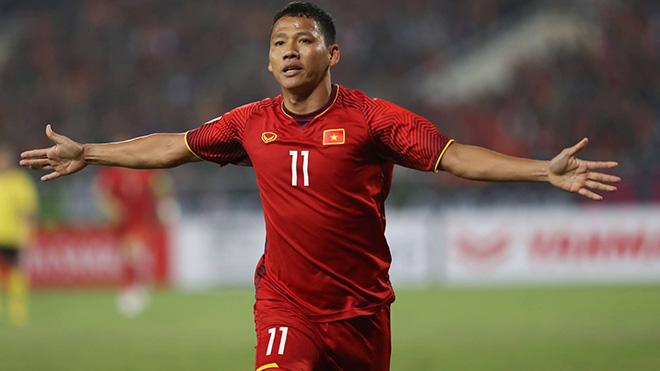 Anh Đức là trung phong số 1 lúc này của đội tuyển. Ảnh: Hoàng Linh