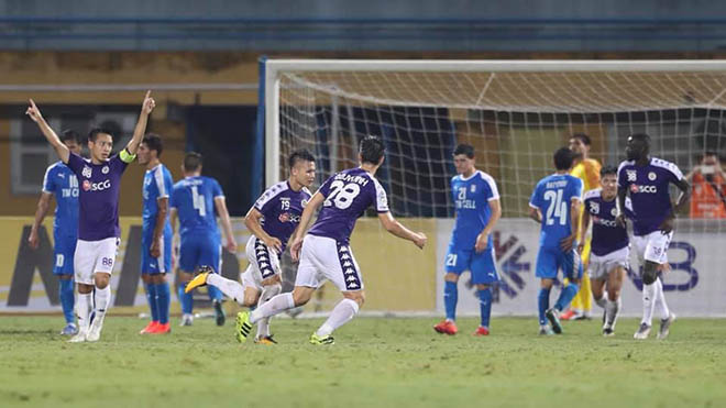 Cầu thủ Hà Nội duy trì phong độ tốt từ CLB lẫn ĐTQG. Ảnh: Hoàng Linh