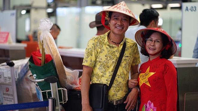 Hồng Sơn đã có mặt ở Thái Lan cùng hàng ngàn CĐV Việt Nam khác.Ảnh: ĐH