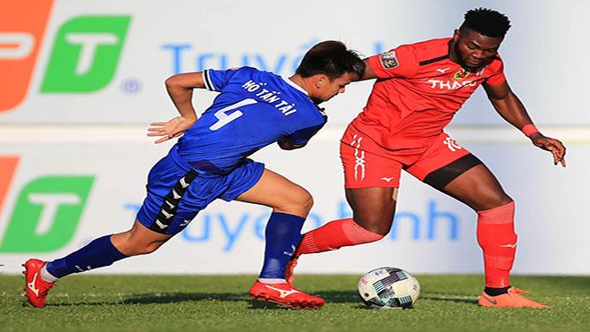 Hồ Tấn Tài đã có 2 bàn ở V-League 2019 dù chơi ở vị trí hậu vệ cánh. Ảnh: VPF