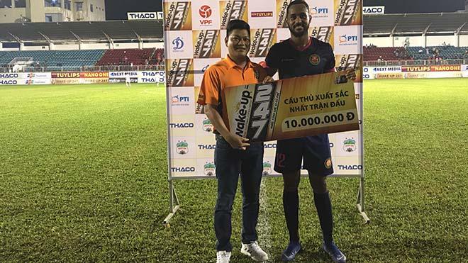 """Ngoại binh Pedro của Sài Gòn đã chơi cực hay ở cả 2 trận gặp HAGL mùa này để giúp đội nhà có trọn 6 điểm khi đối đầu """"Gỗ"""". Ảnh: VPF"""